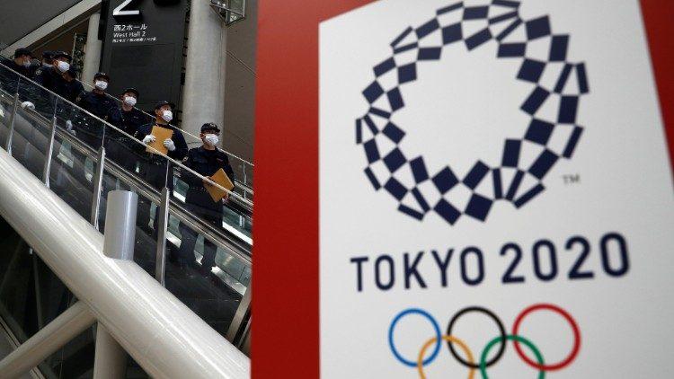 A Tokyo fervono i preparativi per le Olimpiadi e le Paralimpiadi (Edgar Su / Reuters)
