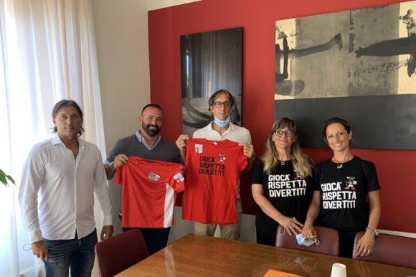 La Rimini Calcio in visita dall'assessore allo Sport Brasini
