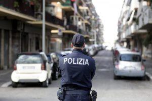 Palermo, tentato femminicidio: spara a una donna, i vicini lo picchiano