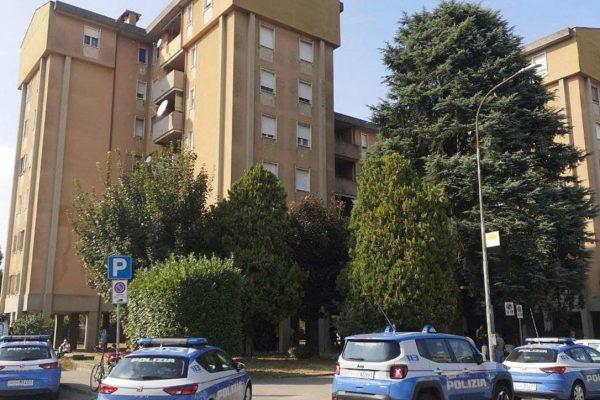 Cremona, 35enne uccide la madre con una coltellata al collo: fermato dopo la fuga