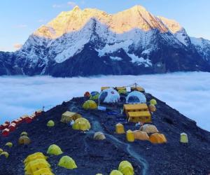 Manaslu (8.163 m): Sherpa in vetta!   MountainBlogMountainBlog   The Outdoor Lifestyle Journal