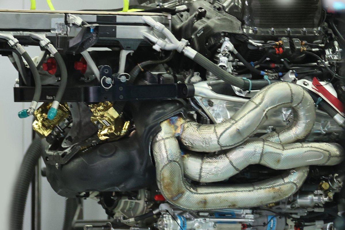 Dettaglio del motore Mercedes M12: qual è il particolare che sta mettendo a pregiudizio l'affidabilità?