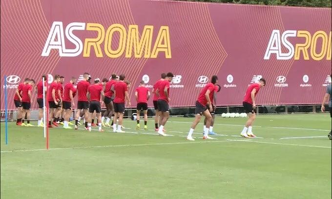 """Roma, """"acchiapparella"""" in allenamento"""