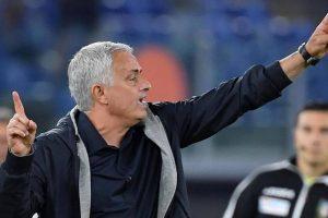 """Mourinho: """"Faremo di tutto per avere Pellegrini al derby. Espulsione ridicola"""""""