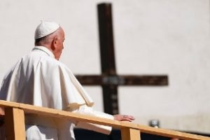Papa: la pedofilia è un atto crudele, la Chiesa deve chiedere perdono