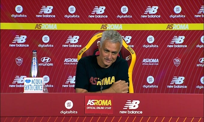 "Mourinho: ""Derby? Partita bella da preparare"""