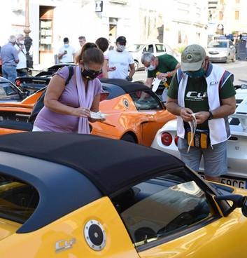 Nella foto un raduno di Lotus: a Prato arriverà sabato. Il giorno successivo le auto d'epoca
