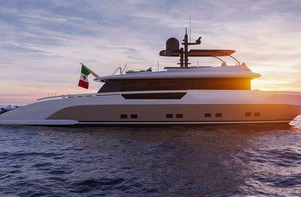 Terranova Italian Yacht presenta il suo Crossover Yacht TM90 – Lifestyle