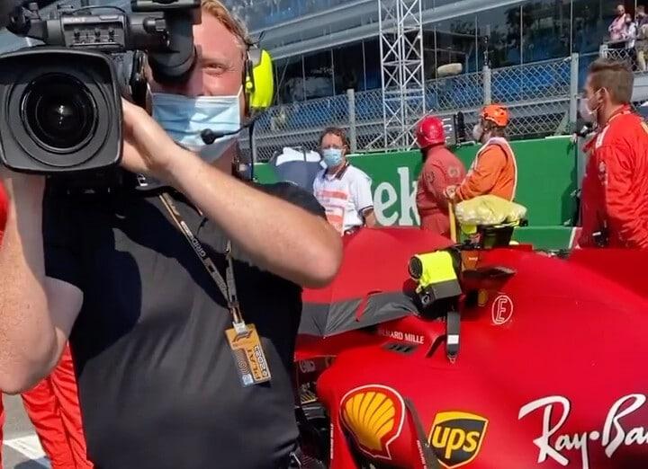 Totti a Monza per il Gp. Filma la Ferrari ma si 'arrabbia' col cameraman