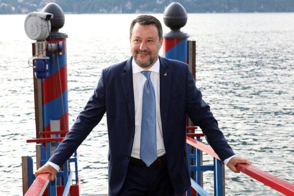 """Vaccini, Salvini: """"Io sono free vax, basta con le tifoserie"""""""