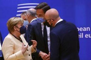 Consiglio Ue, al via l'ultimo vertice con Angela Merkel. Sul tavolo anche il caso Polonia