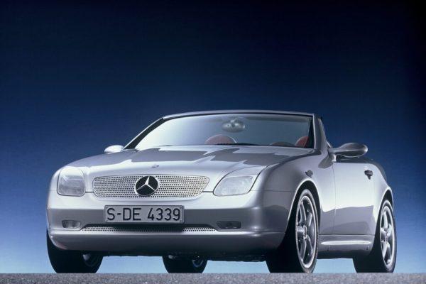 Mercedes-Benz SLK: 25 anni di un'icona. Dimensioni, motori, storia
