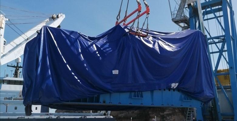 Sbarcato carico eccezionale al Porto di Vasto, due motori destinati a San Salvo